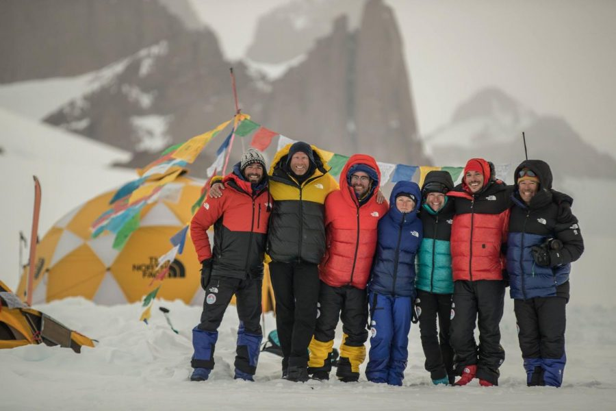 Pablo+with+the+climbing+team+in+Antarctica.